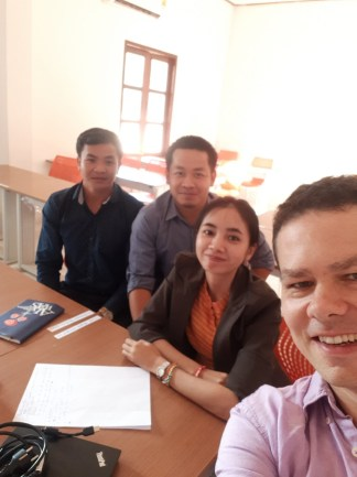 ... our natural sciences Lao-German work group: Mr Douangvilavanh Keomanivone, Mr Phongsavard Sibounnavong, Ms Viengvilaiphone Botthoulath, Dr Martin Remmele...