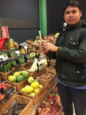 Dr Isabel showed us where we can buy lemongrass...