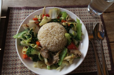 Stir-fried vegetables with brown rice