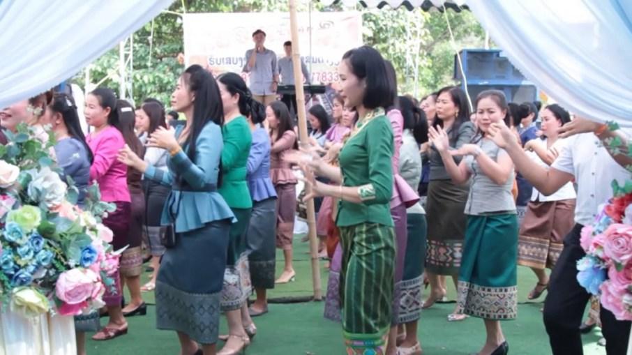 Lao line-dance