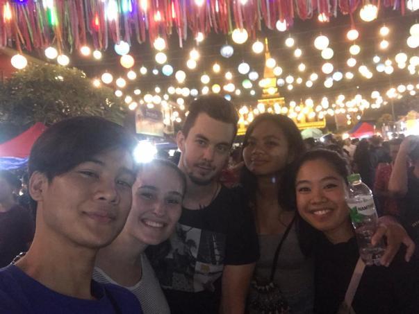 Lucas, Jacqueline, David, Melinda and Phi Ha at the Thuat Luang festival