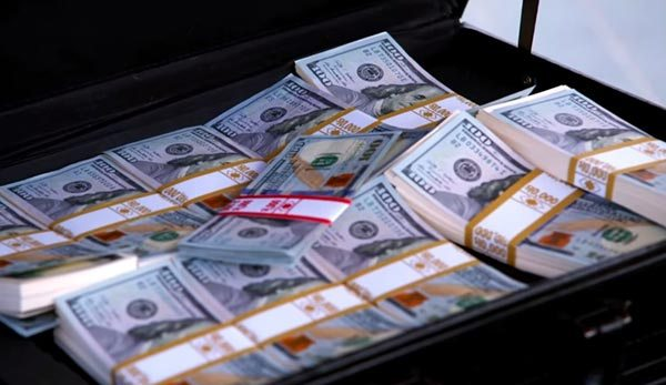 FBI Informant Has Video Of Russian Agents With Briefcases Of Bribe Money In Clinton-Uranium Scandal