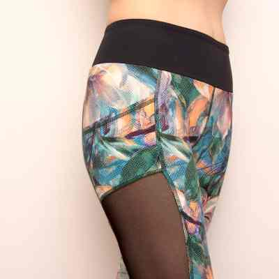 Floweprint mesh leggings pattern