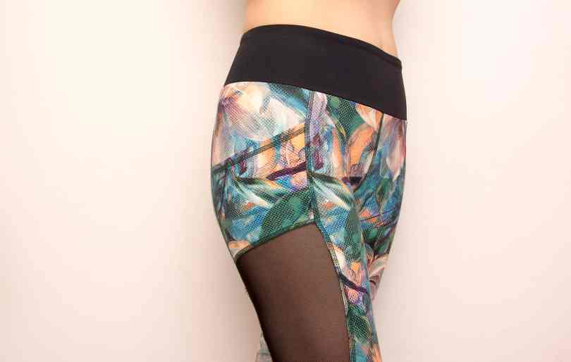 Floweprint mesh leggings pattern