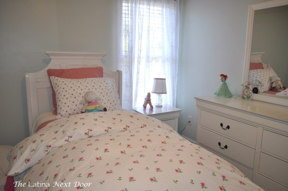 NB 5 1024x680 Natalias Bedroom Update and New Bookshelves