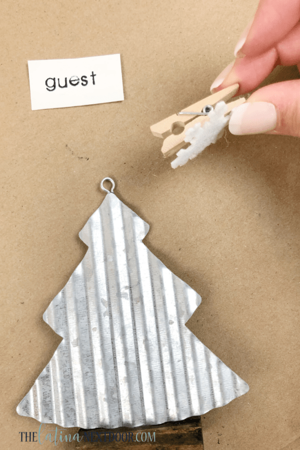 DIY Farmhouse Christmas Placeholders 10 DIY Farmhouse Christmas Placeholder