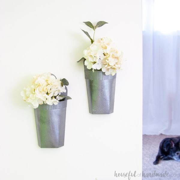 faux metal wall vases 2 Farmhouse Inspired Spring Decor DIYs