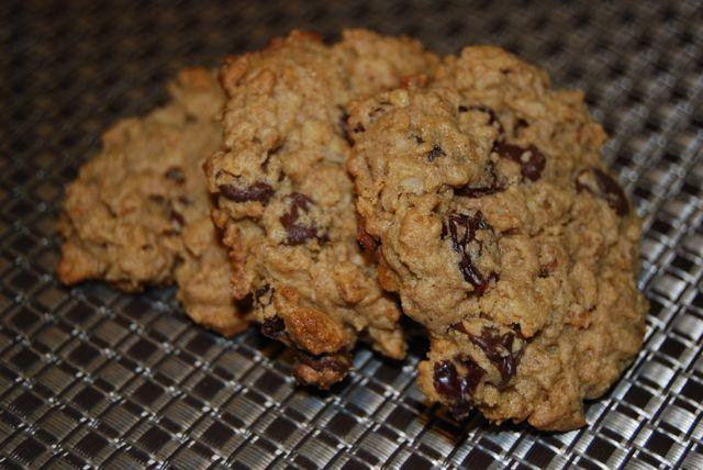These Granola Cookies are crunchy, salty and sweet all at once!