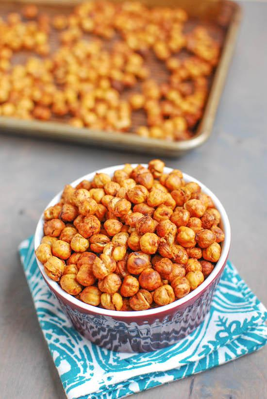 Want to know the secret to perfectly roasted chickpeas? Click to find out the recipe!