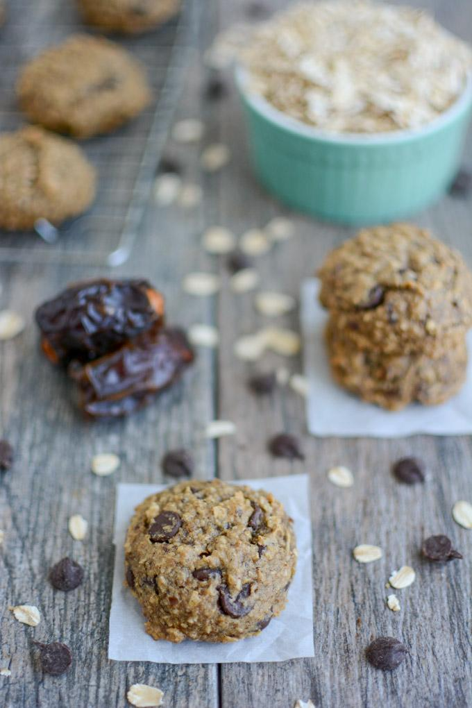 no added sugar, date sweetened chocolate chip cookies