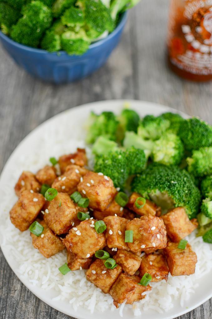 Honey Garlic Air Fryer Tofu with white rice and broccoli
