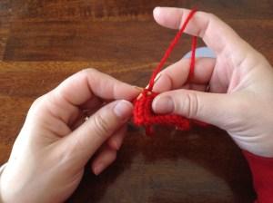 Left handed western mount knitting
