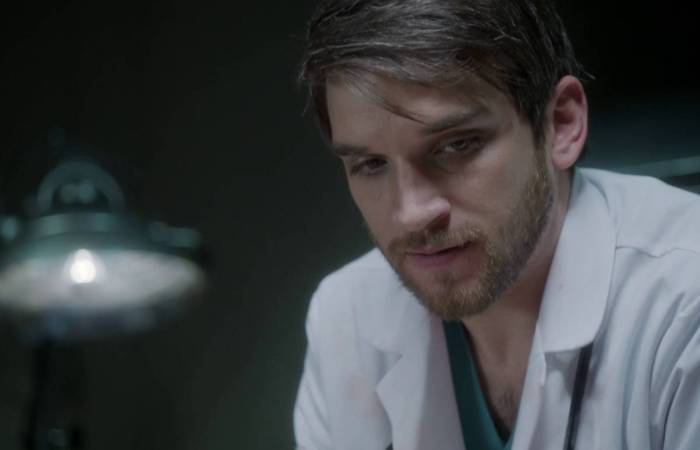Evan Jonigkeit as Dr David Halleran