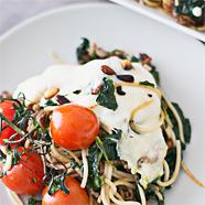 Recept ovenschotel met spaghetti, spinazie, mozzarella en trostomaatjes