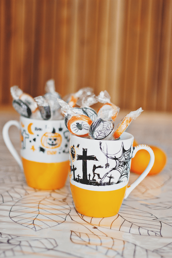 DIY: Halloween mugs