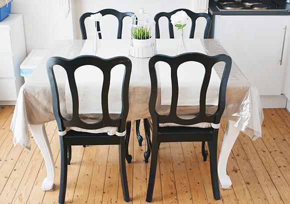 Eetkamer stoelen voor na (2 van 9)