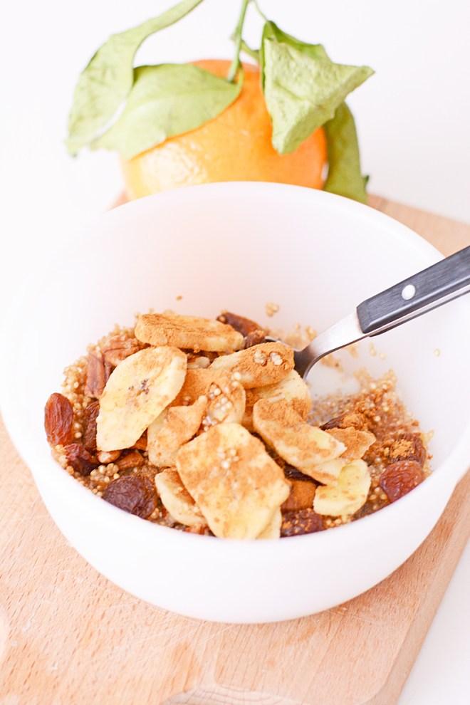 Een snel, voedzaam en winters quinoa ontbijt