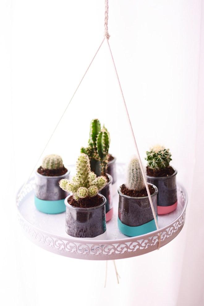 Zwevende cactussen in DIY dipped potjes