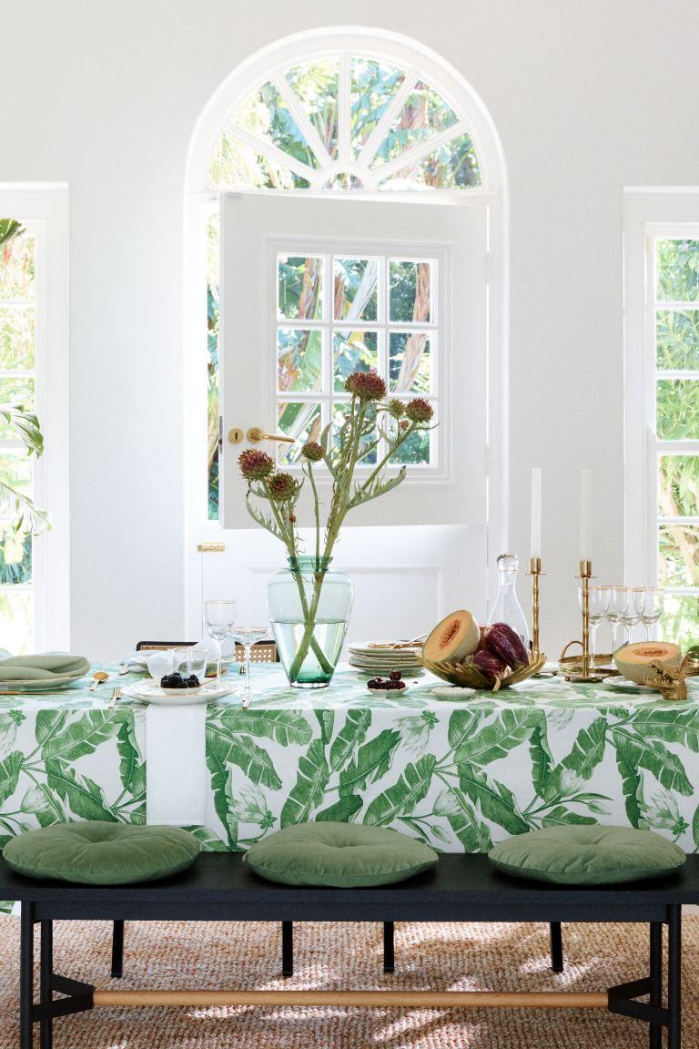 De H&M Home voorjaarscollectie golden green