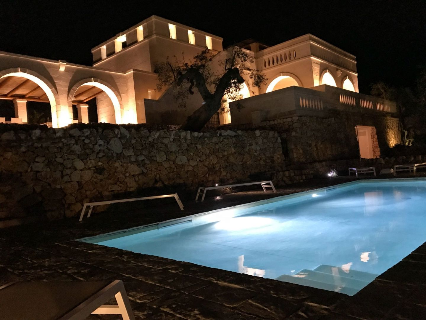 Corte dei Massapi villa at night