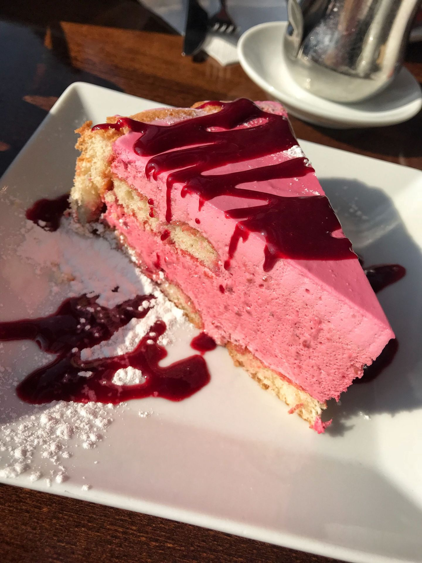 Raspberry cake Cafe du Pont Neuf