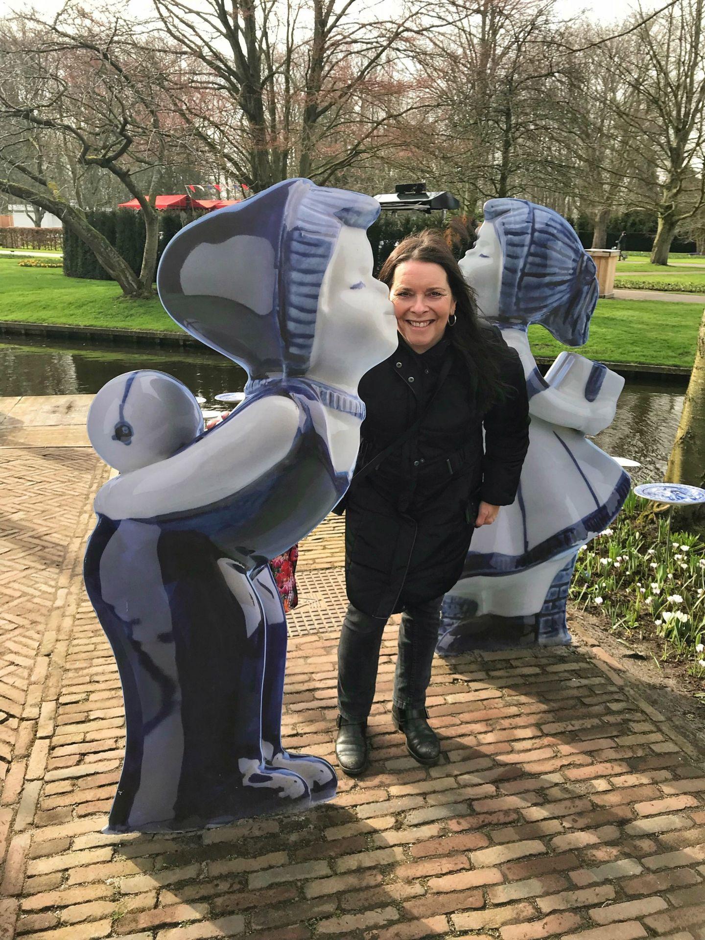 Delft Blue Kissing Dolls Keukenhof