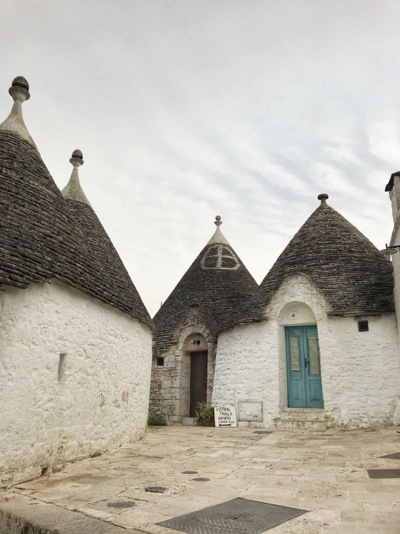 Hobbit holes trullis in Alberobello
