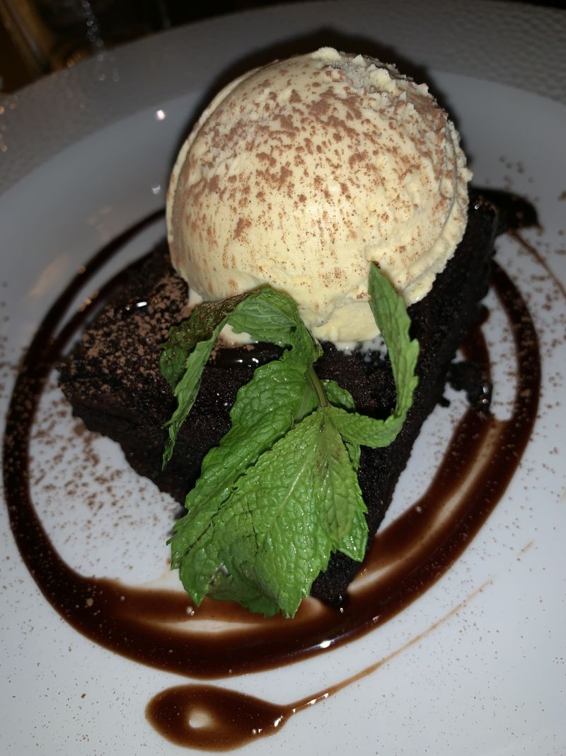 Chocolate-brownie-pudding-Wavendon-Arms