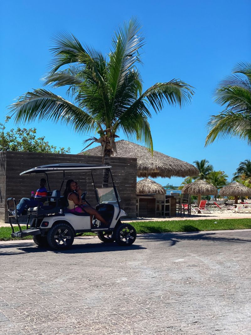 Getting-around-Bimini-Golf-Buggy-hire