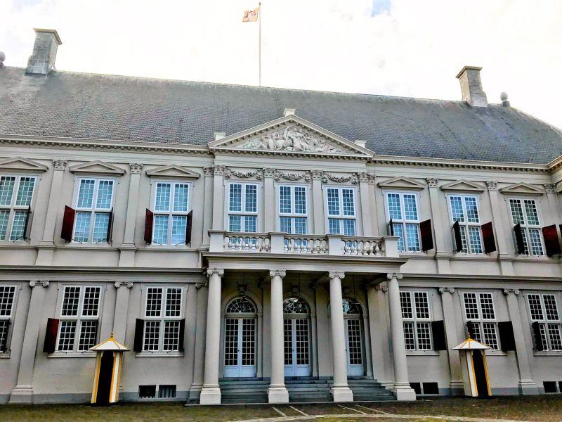 Palace-Noordeinde-Paleis-Noordeinde-The-Hague-Netherlands