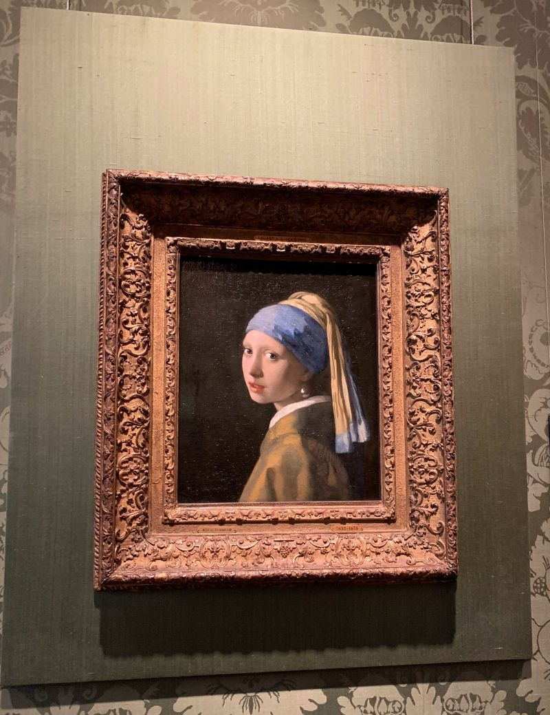 Vermeers-Girl-with-the-Pearl-Earring-The-Mauritshuis-The-Hague