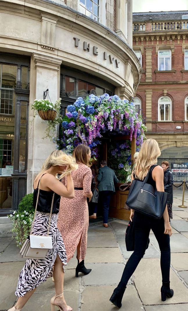 Girls-weekend-in-York-at-The-Ivy