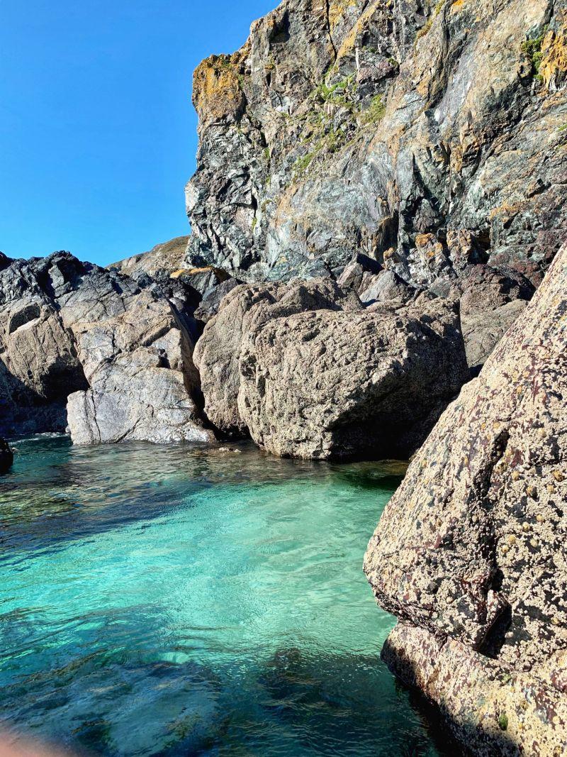 Kynance-Cove-Rock-pool