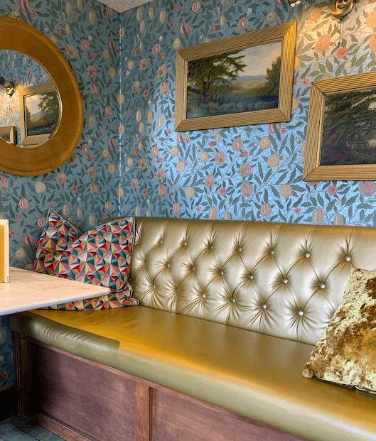 Cute-Restaurant-Decor-Nonnas-Woburn-Sands-Milton-Keynes