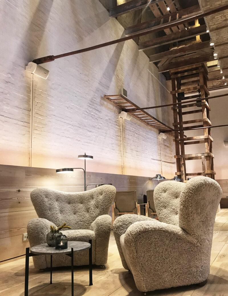 Brøchner-Hotel-Ottilia-Social-dining-area-industrial-look