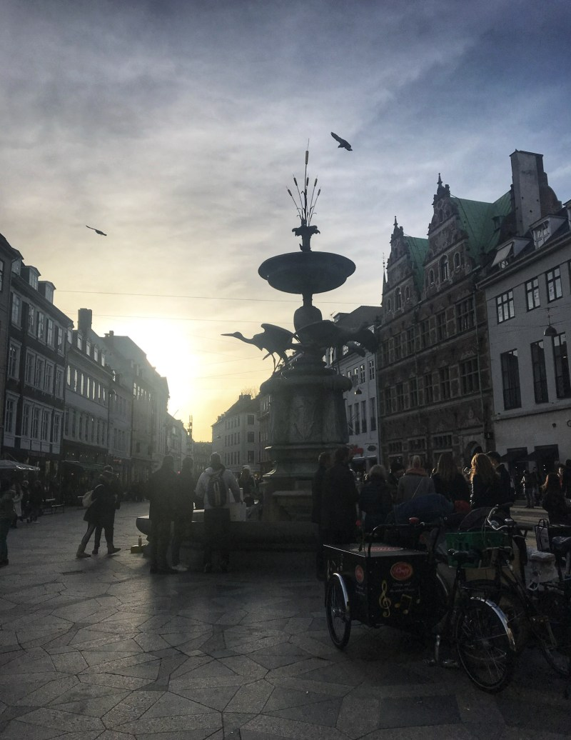 Sunset-over-the-quaint-streets-of-Copenhagen