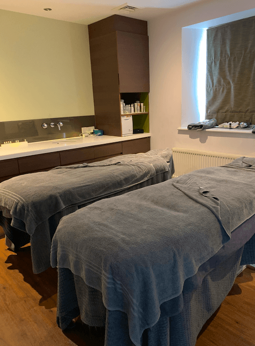 Spa Couples massage table benefits of an autumn spa break