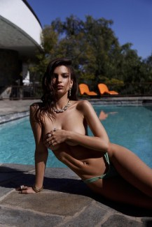 Emily-Ratajkowski-Swim-Collection-06