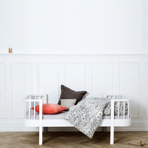 junior wood bed white