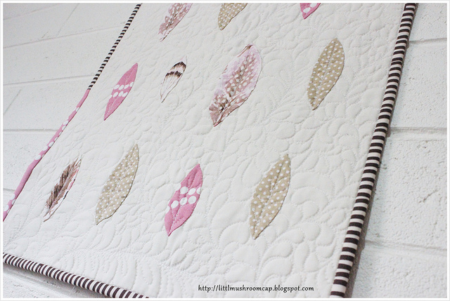 Feather Mini Quilt_Feather quilting_Modern Applique