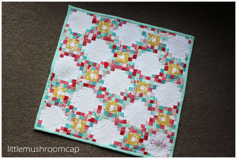 Doll Quilt Swap 14 : Triple Irish Chain Mini Quilt