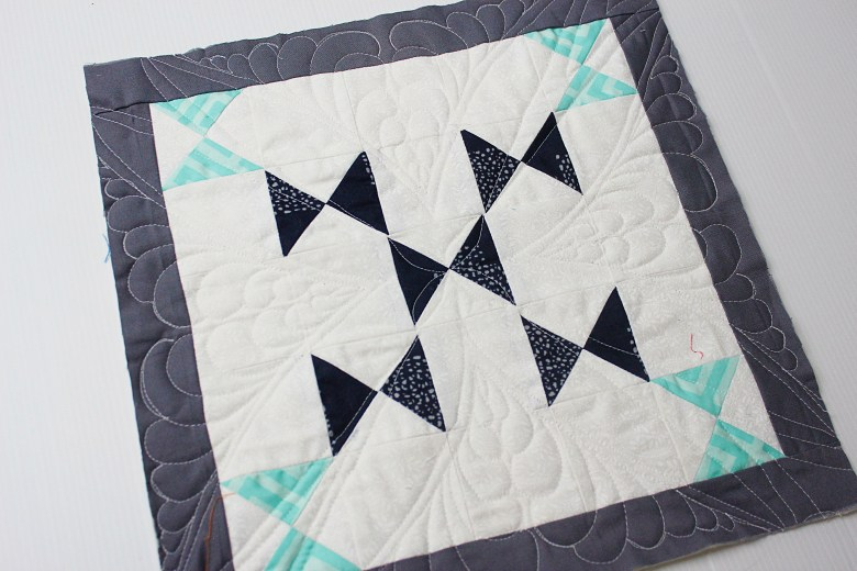 Free Motion Quilting on Block Butterfly Crossing| Sewcial Bee Sampler