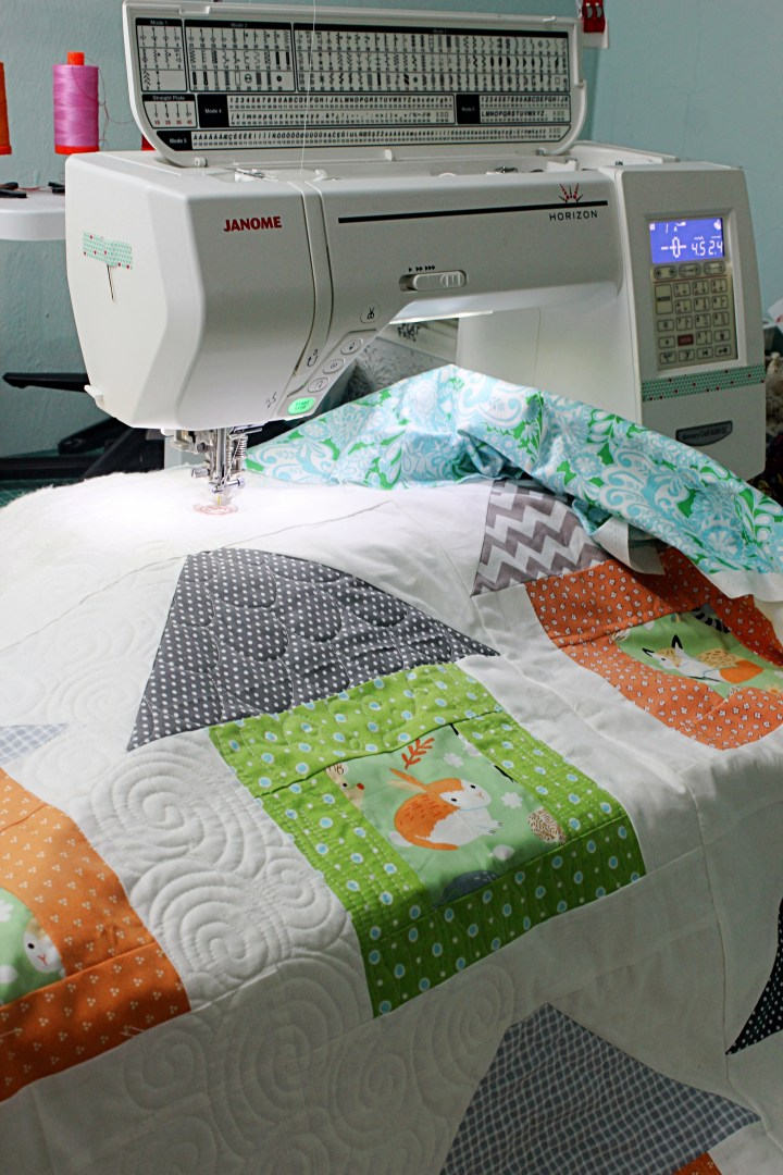 Free Arm Quilting Sewing Machine