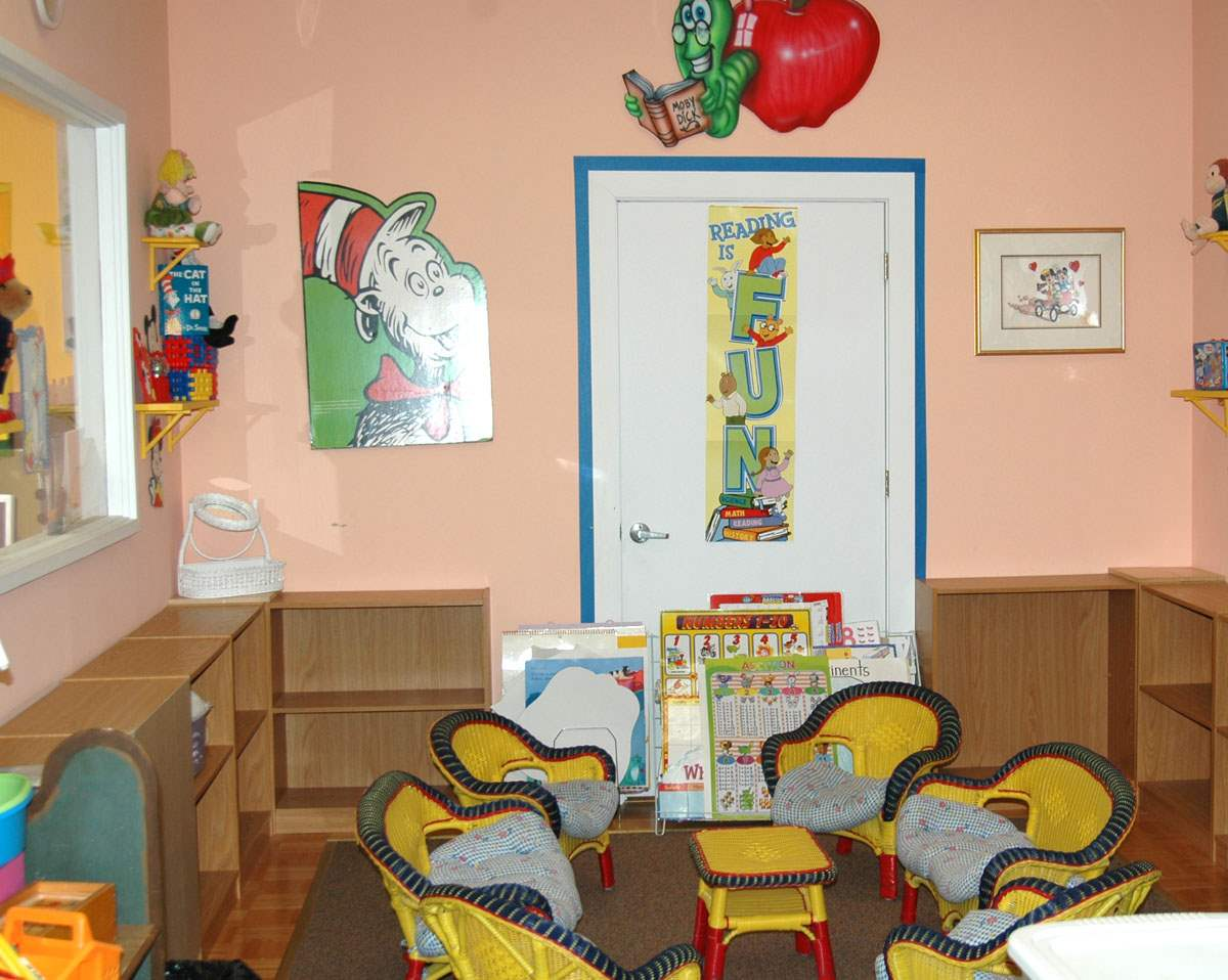 Picture gallery the little school of waldwick for Small reading room design ideas