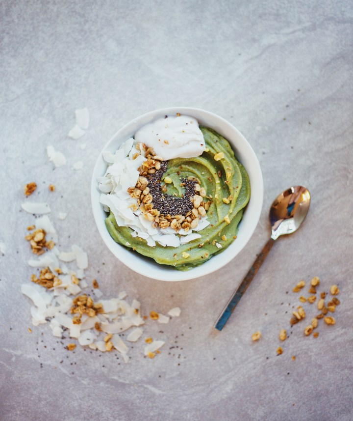 Coconut Matcha Smoothie Bowl Recipe. Gluten Free and Vegan