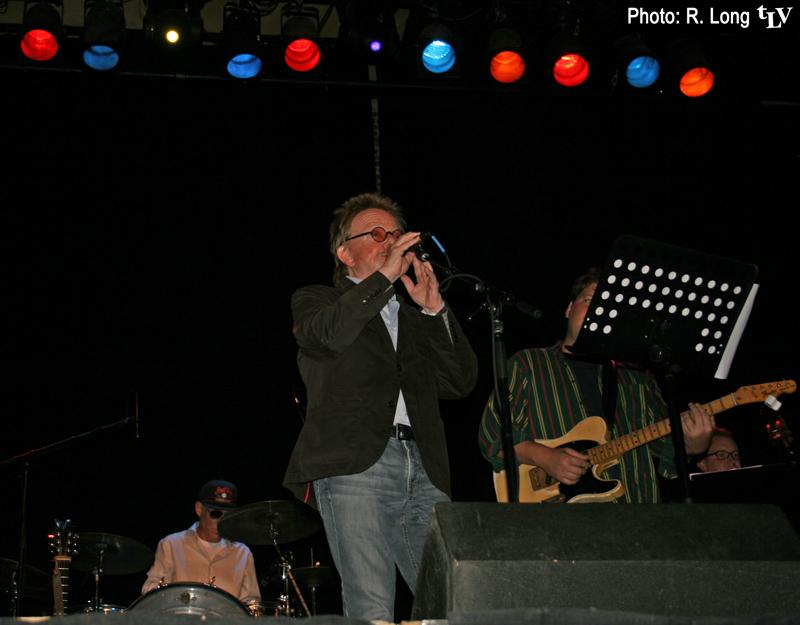 "Paul Williams singing ""Rainbow Connection"" with The Yalobushwhackers!"