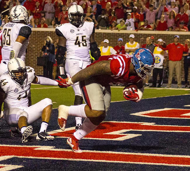 Robert Nkemdiche scored another touchdown for the Rebels against Vanderbilt. Photograph by Shelby Rayburn – © 2015 The Local Voice.