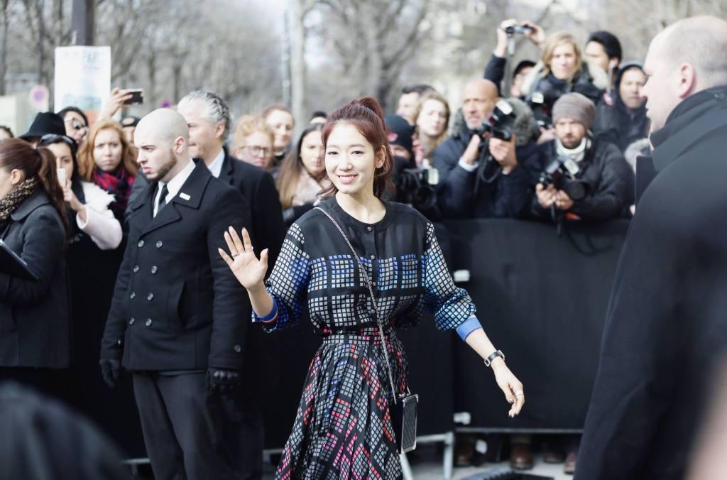 park shin hye arrival video