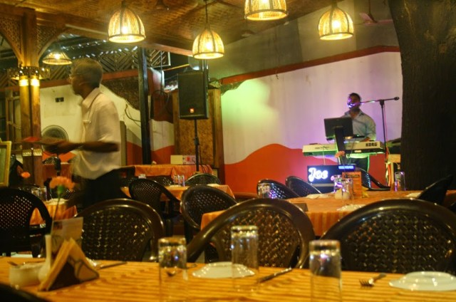Live performance at Martin restaurant at south goa holiday trip