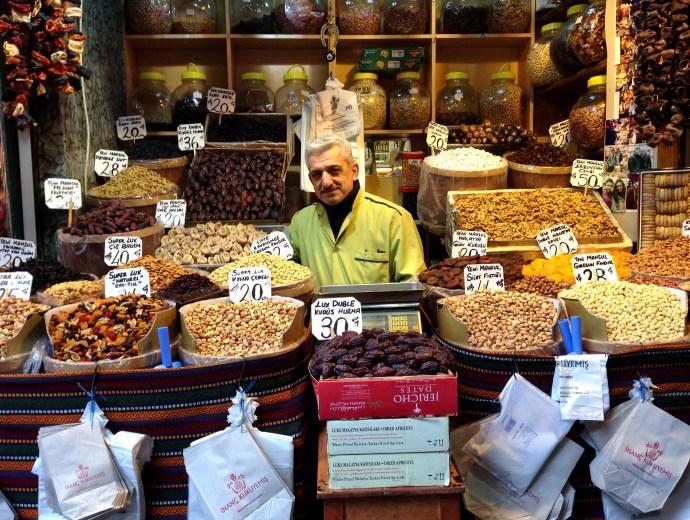 Spice_market_bazar_spezie_egiziano_Istanbul@The_Lost_Avocado